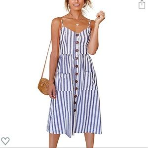 NEW Amazon blue and white front pocket dress